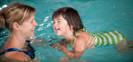 swim-lessons-child-loves